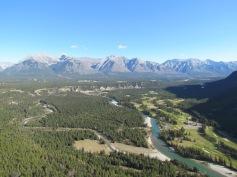Tunnel Mountain Trail in Banff, Alberta - (c) tanadia.com