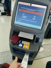 Zukunft des Fliegens? Boardkarte und Kofferband do it yourself - (c) tanadia.com