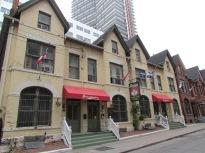 Canadiana Backpackers Inn - (c) tanadia.com
