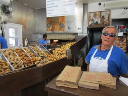 Mein Lieblings-Bagel-Laden St. Viauteur in Mile End - (c) tanadia.com