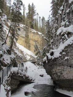 08 Johnston Canyon (c) tanadia.com