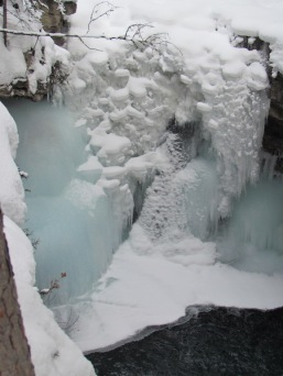 11 Johnston Canyon (c) tanadia.com