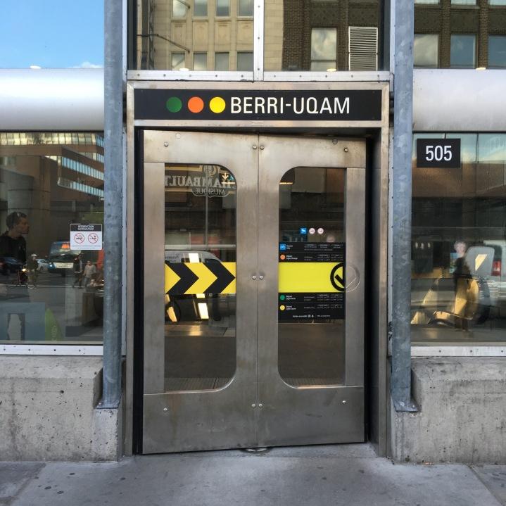 Schwingtür zur Metro Berri-Uqam - Copyright: tanadia.com